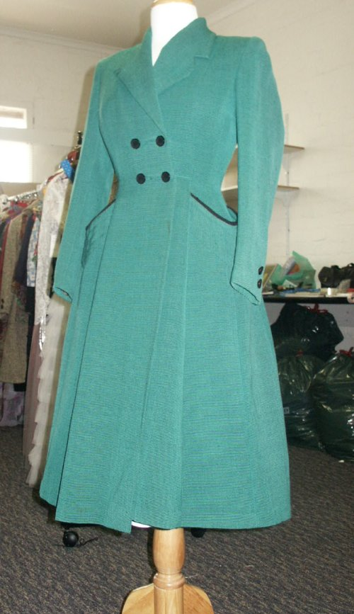 40s green coat