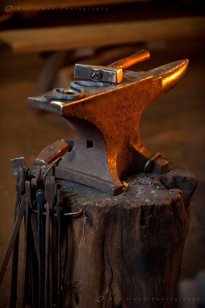 Hammer-&-Anvil