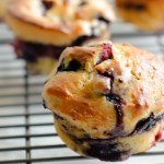 Super Moist Blueberry Sour Cream Muffins - Fast and easy blueberry muffin recipe that's bursting with blueberries and so moist! | circleofeaters.com