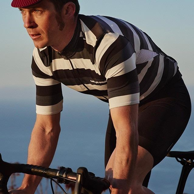 men-cycling-jersey-francine-grey-tone-action-3_1_2048x