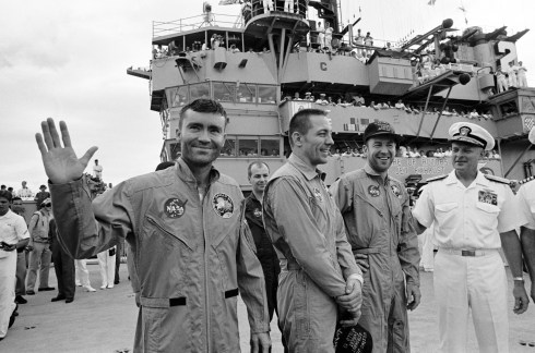 apollo-13-onboard-recovery-ship-S70-35606.jpg