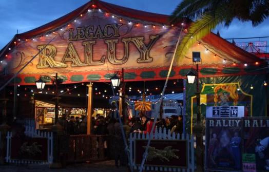 Entrada del Circo Raluy