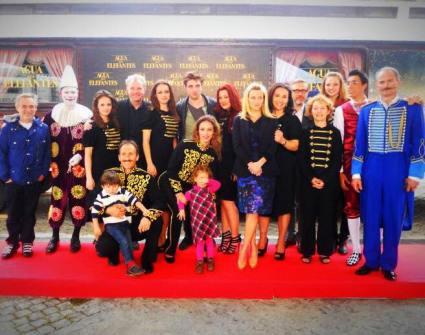 Presentación de la película Como Agua para elefantes en el Circo Raluy