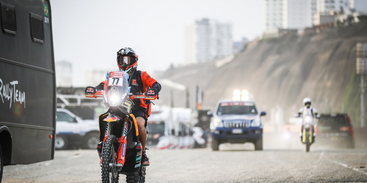 Dakar: Dakar kicks off proceedings as riders drivers and crews go through scrutineering