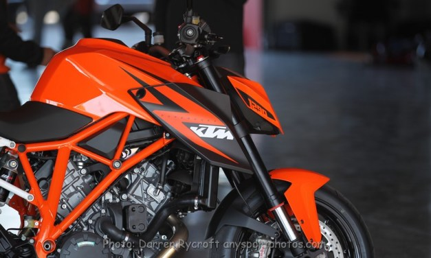 Dubai: Full on with the Ferret – KTM Middle East official launch of the KTM 1290 Superduke R
