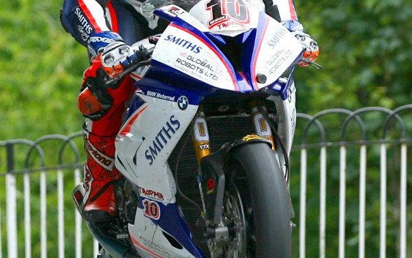 IOM TT 2018 – Post race report – Senior TT – Hickman sets new outright lap record