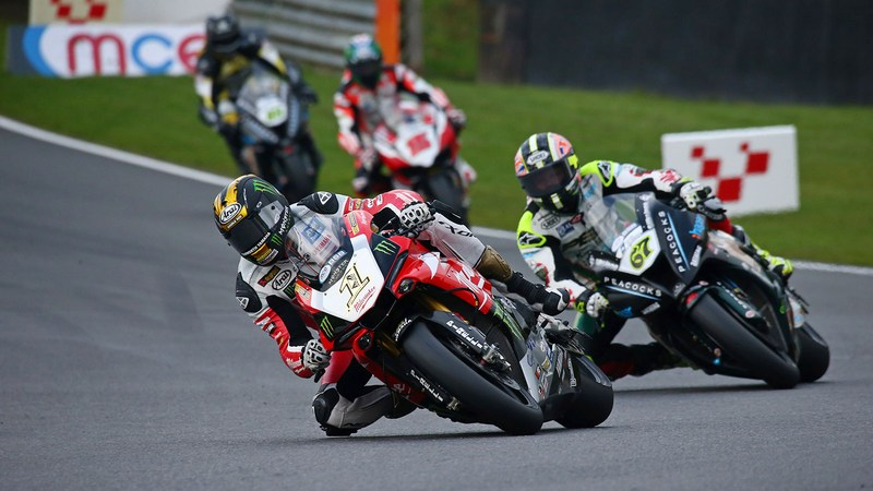BSB: Champion Brookes doubles up at Brands Hatch but ends season with a crash