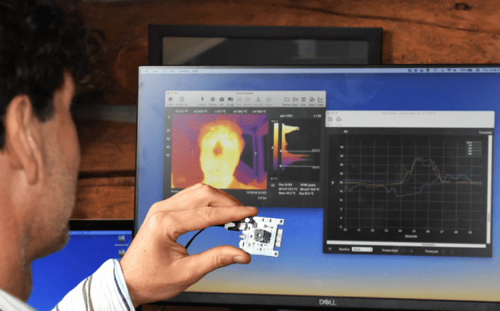 tCam-Mini-Wireless-Thermal-Imaging-Camera-Module-In-Action-1