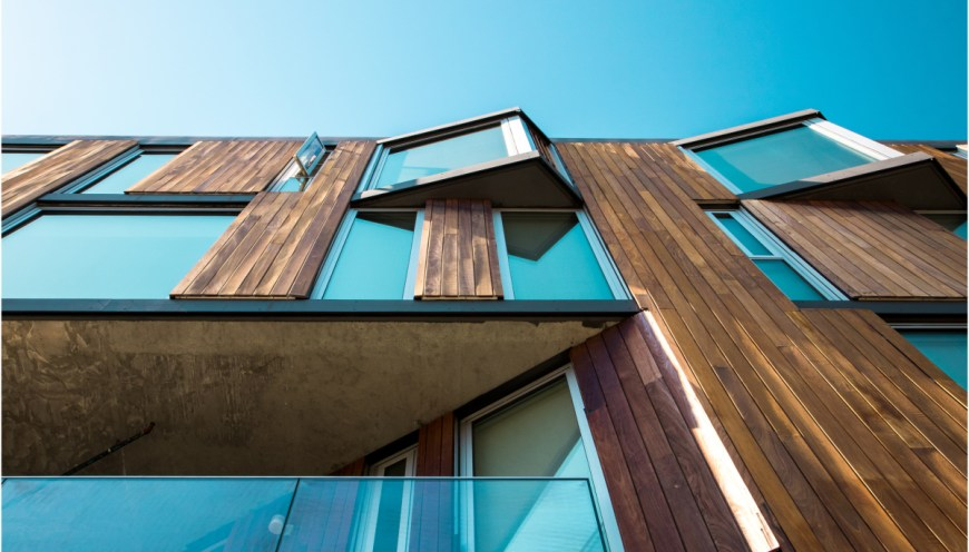 CE strategies in construction projects: learnings from new construction and building redesigns