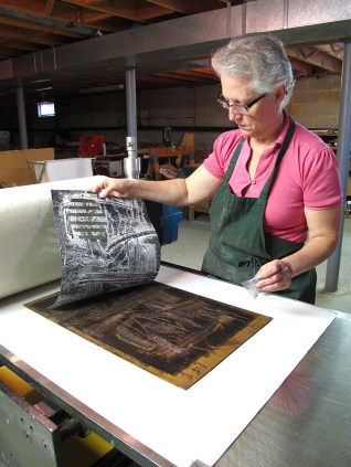 """Maria Pisano printing """"Viva Voce"""""""