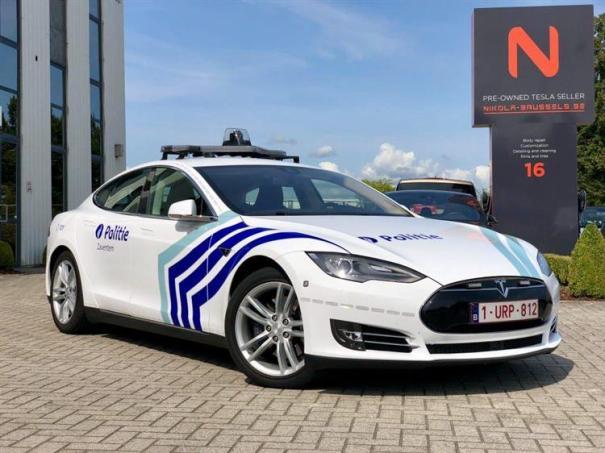 Tesla Model 3 et S Police