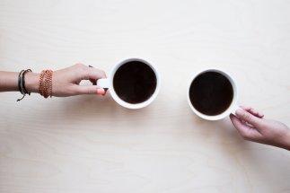 Tazas con café