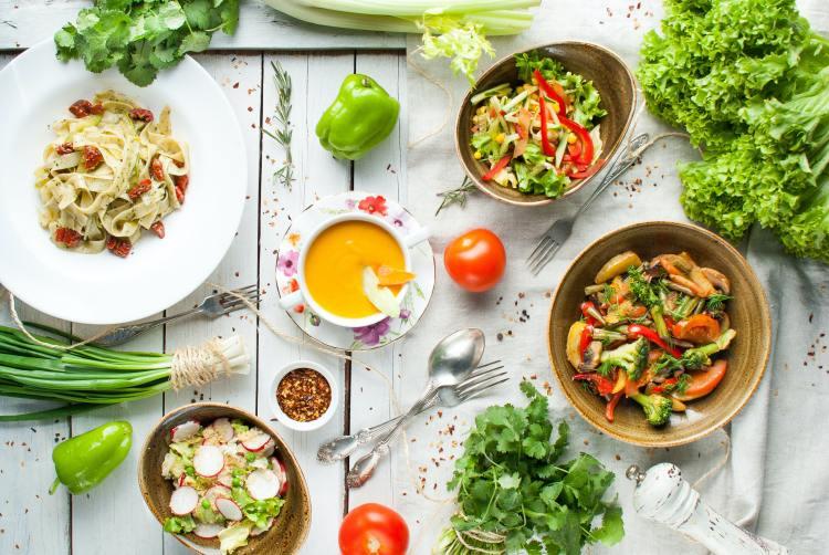 Platos de comida vegetariana