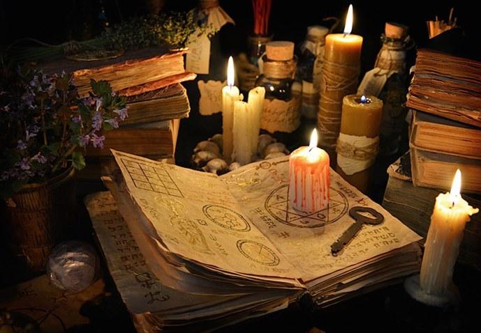 Livro de bruxaria