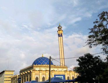 Mosque in Ghana during Ramadan