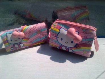 Dompet Hello Kitty seri Pelangi