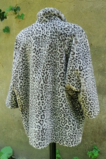 Grey Snow-Leopard Faux Fur Coat, U.FAUX2.01, back 1