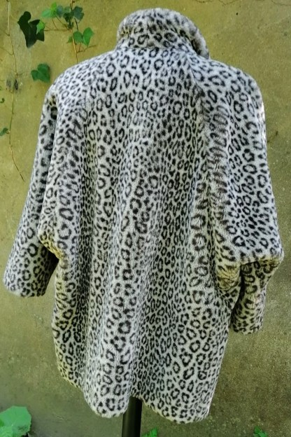 Grey Snow-Leopard Faux Fur Coat, U.FAUX2.01, back 2