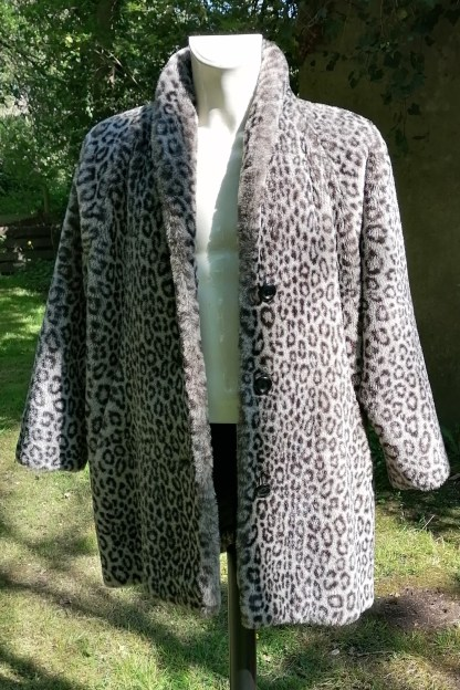 Grey Snow-Leopard Faux Fur Coat, U.FAUX2.01, front 4