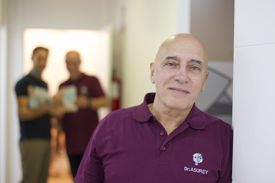 Nestor Asurey Segade_cirujano plástico en Alicante