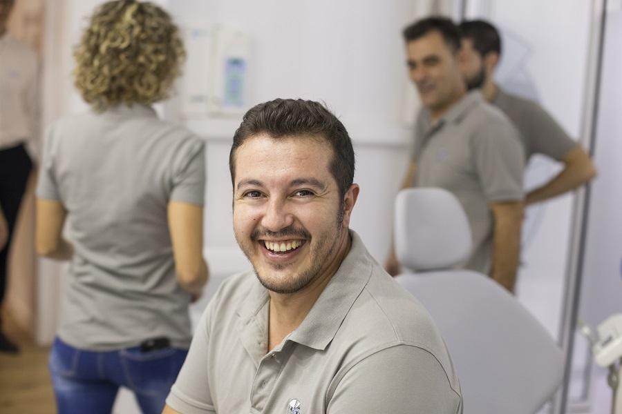 Ramiro Montenegro_odontólogo en Alicante