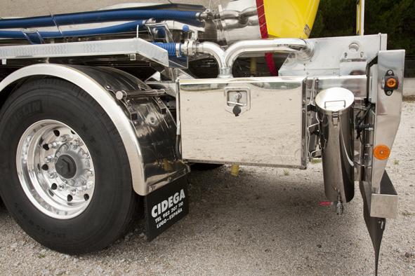 Cisternas autoportantes para el transporte de líquidos bajo normas ATP