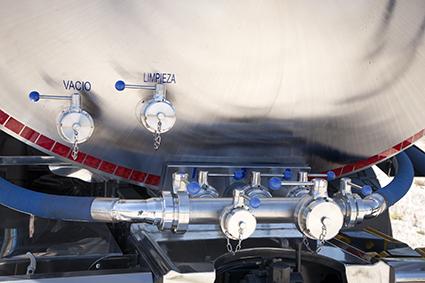 Cisternas sobre camión para recogida de leche y transporte de líquidos