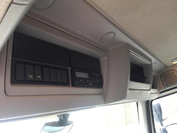 Camión VOLVO FL280