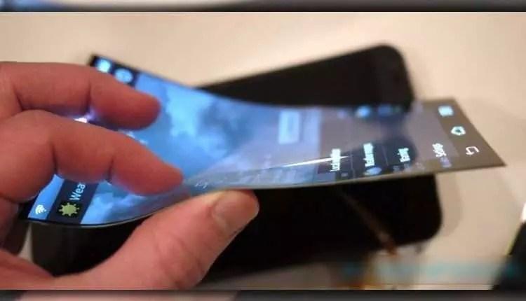 móvil con pantalla flexible con tecnología OLED