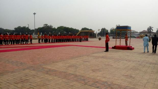 nana-addo-inspects-gaurd-of-honour-5