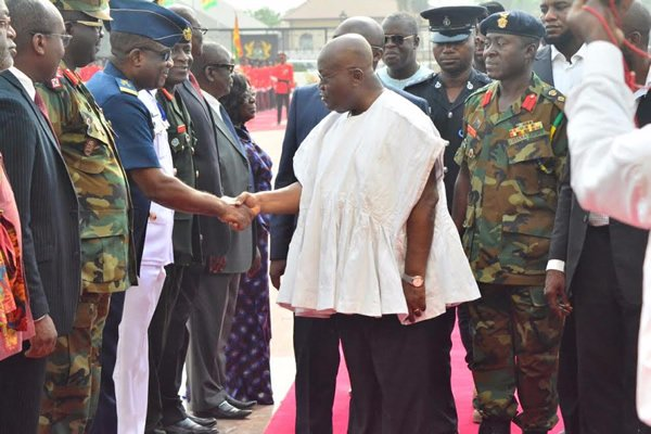nana-addo-inspects-gaurd-of-honour-9
