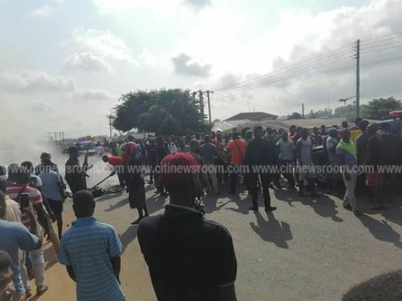 Juapong residents block road over killing of businessman 6