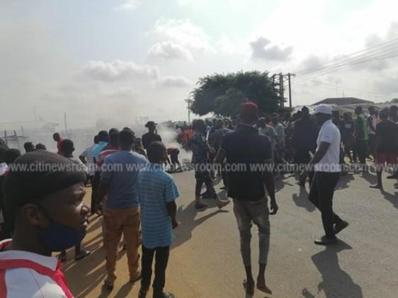 Juapong residents block road over killing of businessman 2