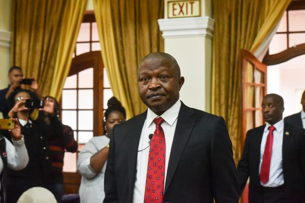 David Mabuza tests negative for Covid-19 after a close encounter