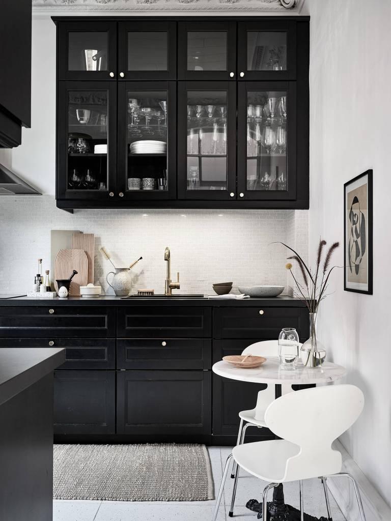 Stadshem kitchen black