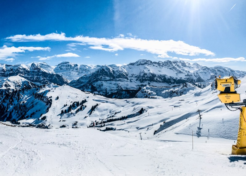 Citizen-of-Châtel-skigebied-swiss-side