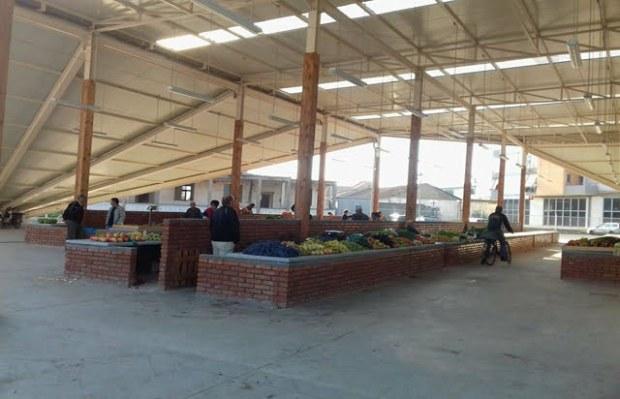 Tregu i ri në Fier. Foto: Gëzim Hoxha