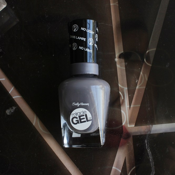 Introducing Yet Another Nail Miracle Sally Hansen Reveals The New Gel Top Coat Now