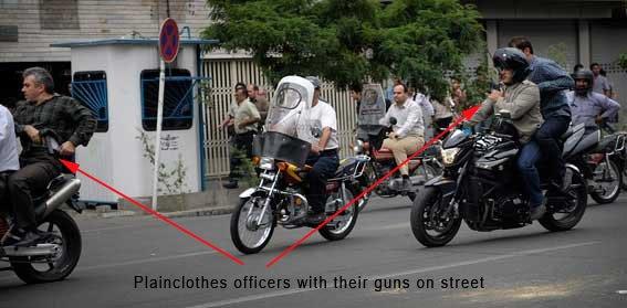 Iranelection_Plainclothes_with_gun_note