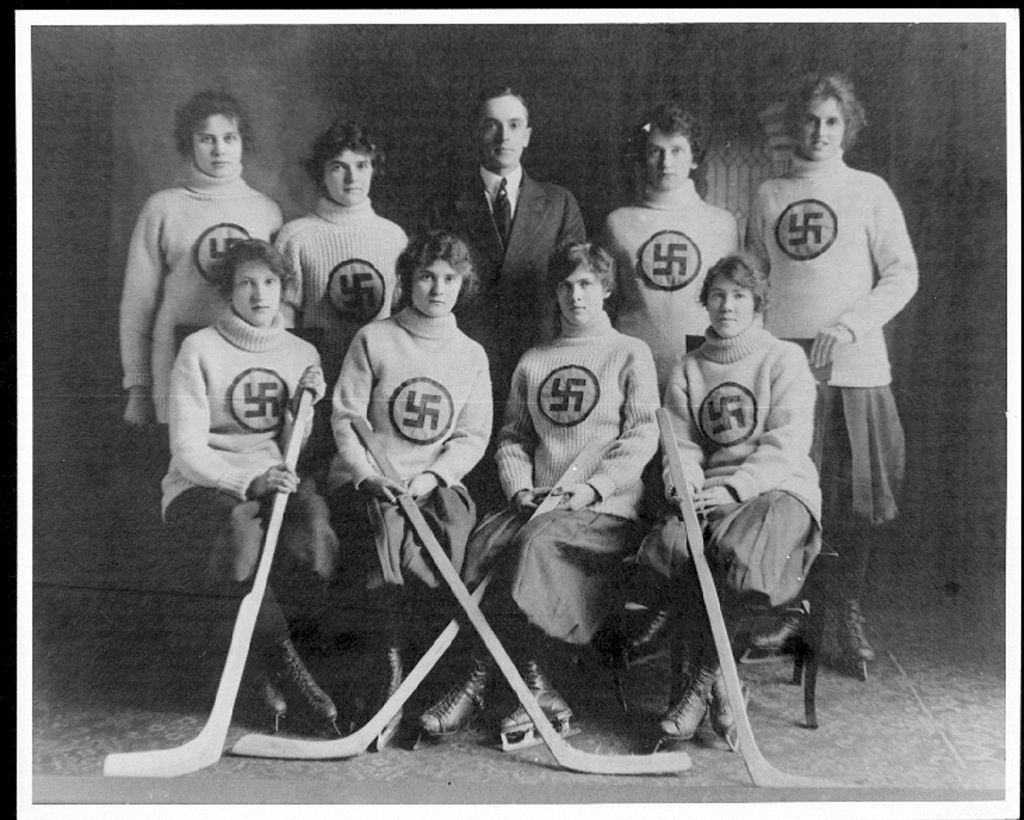 womens-ice-hockey-team-edmonton-alberta-canada-1916
