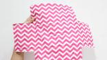 Jahit kain motif dengan busa lapis dengan mengikuti seluruh garis yang digambar di kain motif, termasuk gambar kotak yang di tengah