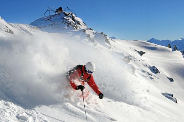 Skiing in Fugen