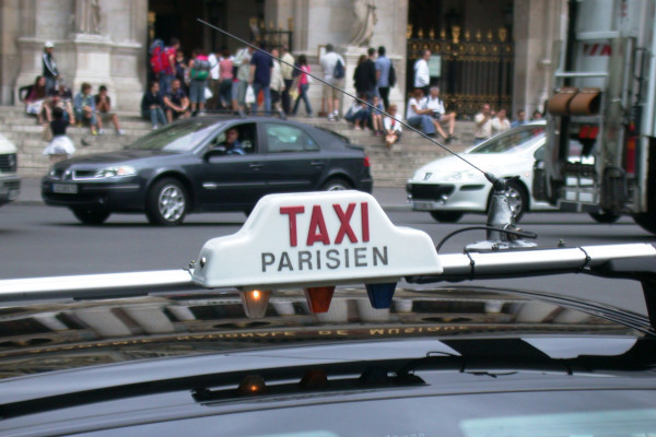 private Paris airport taxi