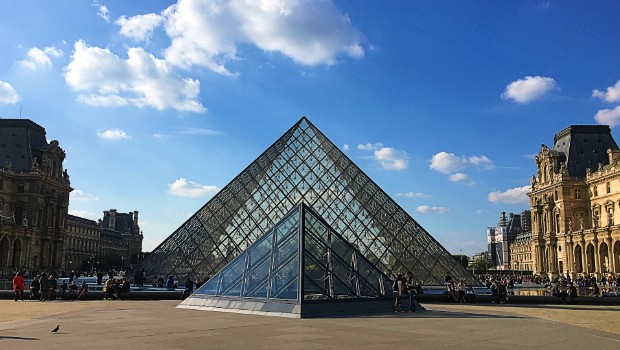 A Tour in the City of Lights and Love – Paris