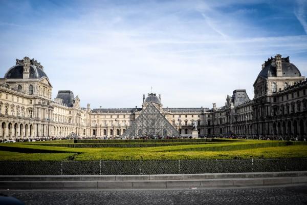 louvre paris city airport taxis