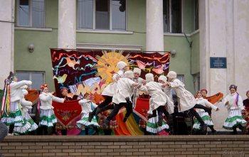 Как прошёл праздник Масленицы в Изюме (фото)