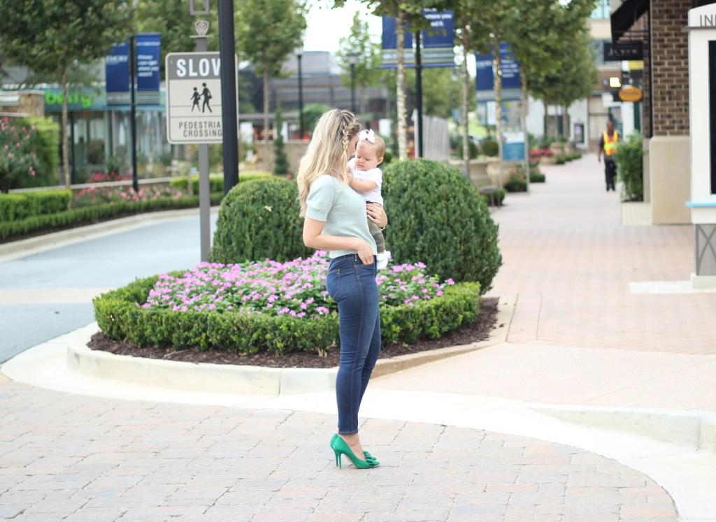 city-peach-stylish-mom