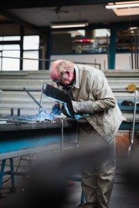 Man Worker Welder Welding - jannonivergall / Pixabay