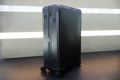 高雄新興區買二手德國 RIMOWA TOPAS Stealth 73 E-Tag 92473015 電子標籤行李箱