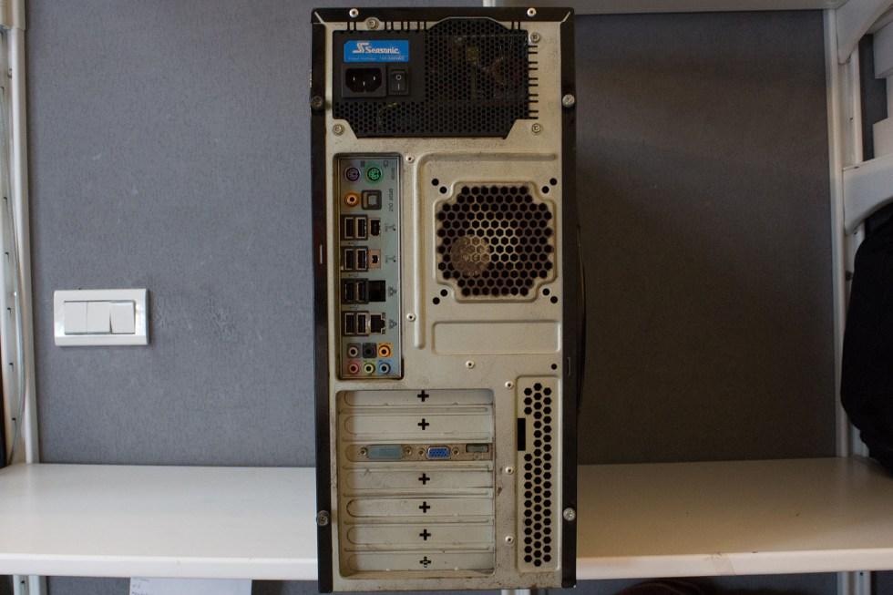 高雄燕巢鄉專業收購二手自組桌機 i7-920 8GB 500GB GF9800GT 電腦桌機